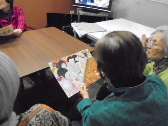 【AH南浦和】ご入居者10名とスタッフ2名で、「ミッケルアート」に取り組んでみました☆