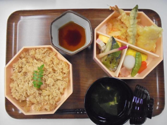 【AH南浦和】2018年度は、「日本全国駅弁巡り」を開催します☆毎月一回、駅弁風昼食をご提供します!