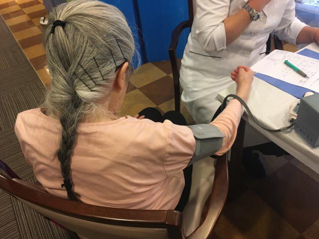 【AH大泉学園】ご入居者もスタッフも、ホーム内にて健康診断を受けることができます!