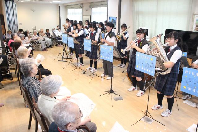 【AH横浜上大岡】近隣中学の吹奏楽部がやって来てくれました!このコンサートのコンセプトは「一緒に楽しむ」です☆