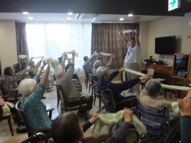 【AH南浦和】ニコニコ笑顔がトレードマーク♪大川FTによる体操教室が行われました☆