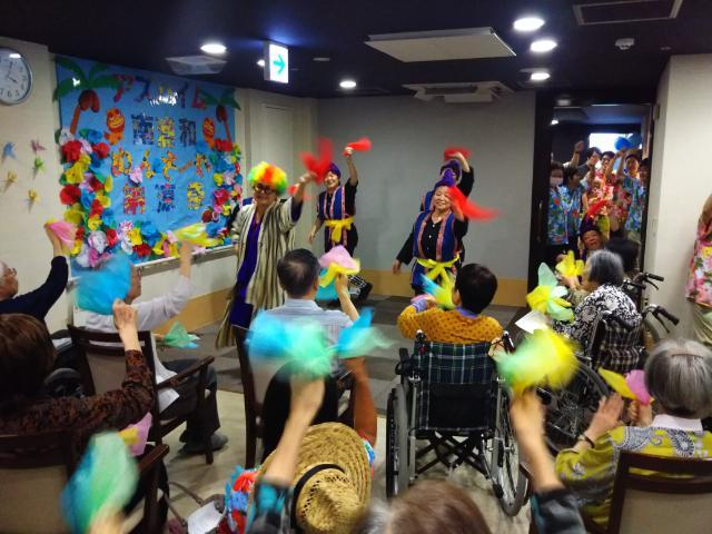 【AH南浦和】今年のテーマは沖縄♪フロアごとに趣向を凝らした飾り付けとエイサーで盛り上がった納涼祭となりました!
