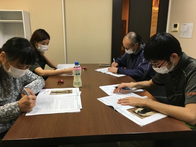 【AH横浜東寺尾】11月のラウンド研修(レベル2)は、「感染症予防」「生活支援の基本」「褥瘡予防の支援」「脱水予防の支援」です。