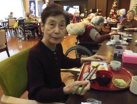 【AH文京白山】普段のお食事よりもたくさん召し上がる方がほとんど!お寿司レクを開催しました☆