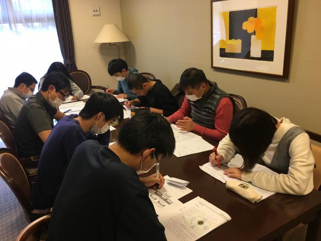 【AH横浜いずみ中央】「看取りの介護」「緊急時の対応―非常災害と防犯」について学ぶ、ラウンド研修レベル1を行いました。