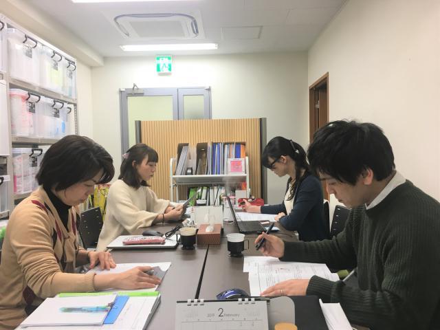 【ケアアドバイザー研修】研修チーム内で一人が講師になり、「生活習慣病」に関する研修を行いました。