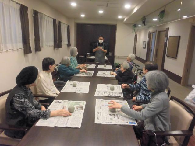 【AH文京白山】黙々と土をこねて、自分らしい器作りに挑戦☆陶芸教室を開催しました♪
