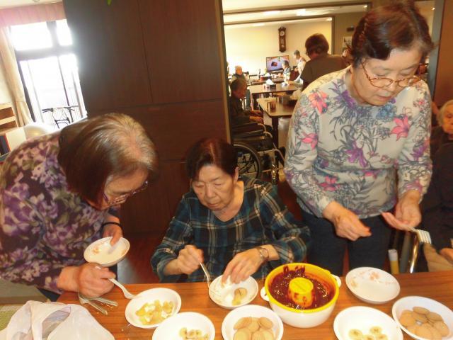【AH横浜いずみ中央】チョコレートフォンデュパーティー☆フルーツやお菓子をたくさんご用意しました♪
