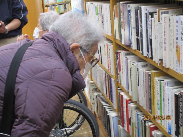 【AH練馬ガーデン】昨年12月より始動!本好きが集まり図書館へ本を借りに行く図書館クラブ♪