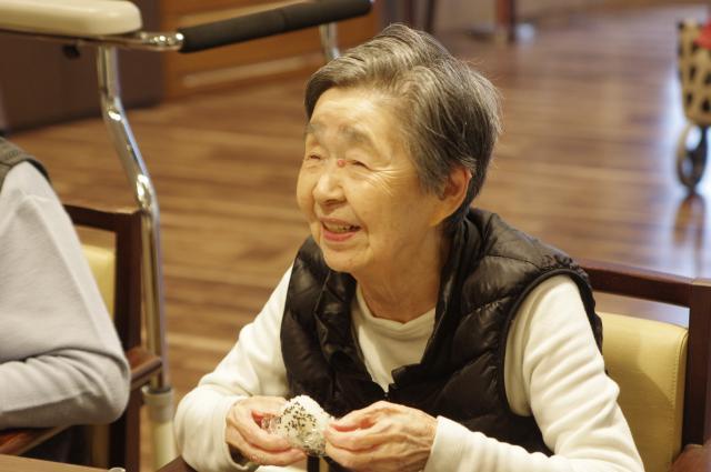 【AH川崎中央】ご入居者からの「美味しいお米を食べたい!」の一声により、魚沼産のコシヒカリを使った昼食をご用意しました♪