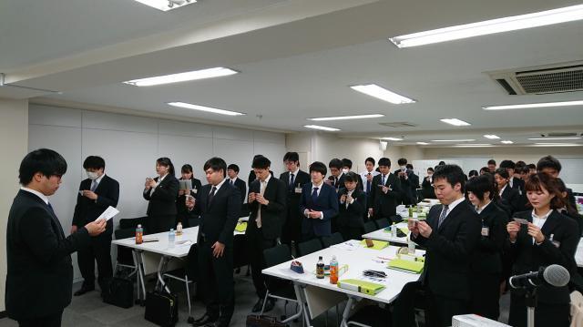 【接遇マナー研修】新卒入社スタッフへサービス業の基本である「接遇マナー研修」を行いました。