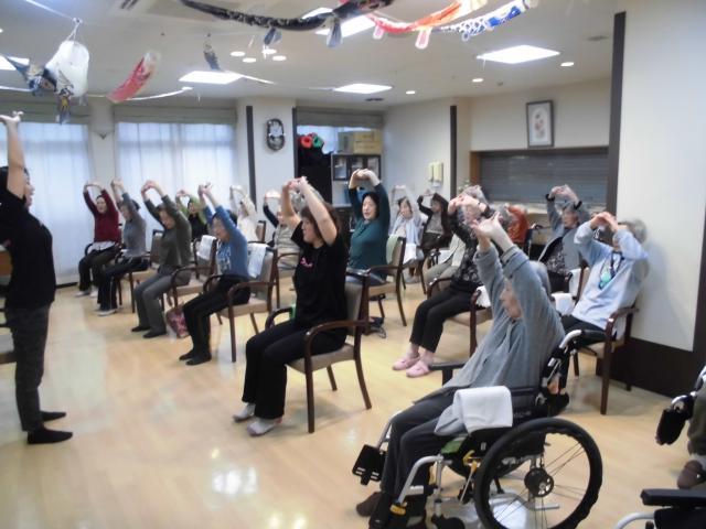 【AH横浜上大岡】町内会婦人部の方々にお越しいただき、「体操教室」を行いました!