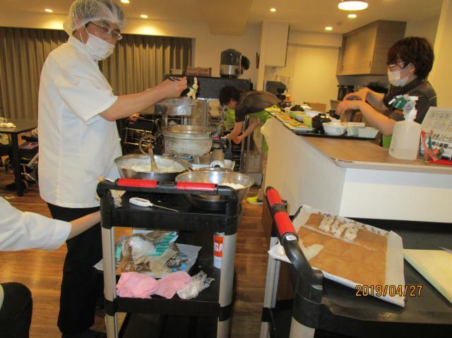 【AH練馬ガーデン】目の前で揚げた天ぷらを夕食に♪フロアに揚げたてのいい香りが漂っていました♪