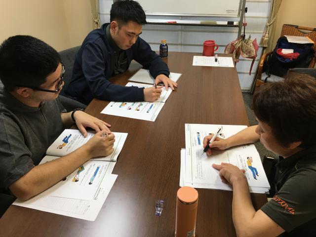 【AH横浜東寺尾】「感染予防 食中毒・緊急時の対応(ラウンド研修Level2)」に関する研修を行いました。