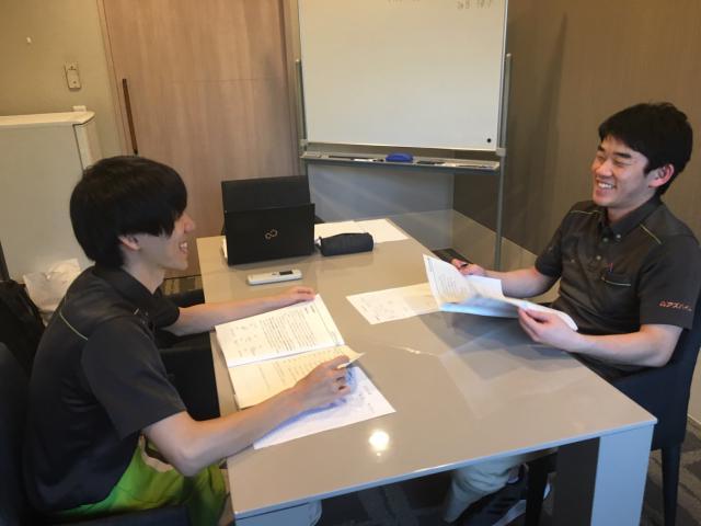 【AH三郷】ラウンド研修レベル1「感染症予防」「生活支援技術(食事・口腔・更衣・整容)」を学びました。
