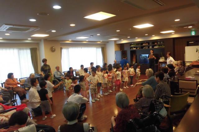 【AH文京白山】敬老の日のイベントは、保育園の子供たちと楽しい時間を共にしました♬