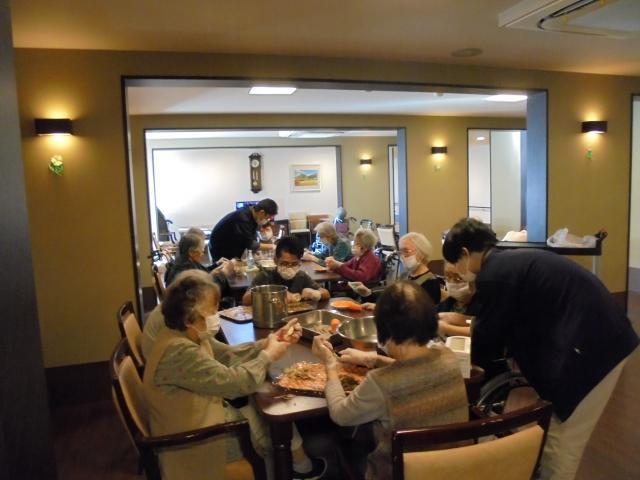 【AH横浜いずみ中央】「芋煮会」が開催されました!寒い季節に暖かいお料理を作って温まりましょう!