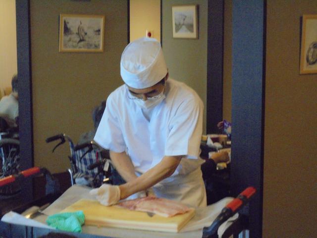 【AH横浜いずみ中央】おもてなしグルメランチ「魚の解体ショー」は圧巻の包丁さばきでした!