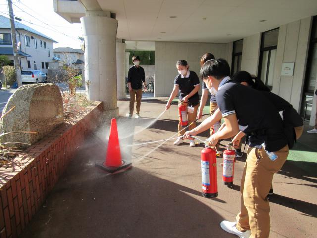 【AH市川】アズハイムでは、年に2回、ご入居者も一緒に消防・避難訓練を行なっています。