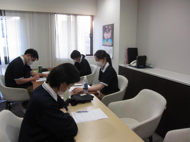 【AH中浦和】新卒スタッフ4名が入社し、ホーム内にて行なった研修の模様をお伝えします。