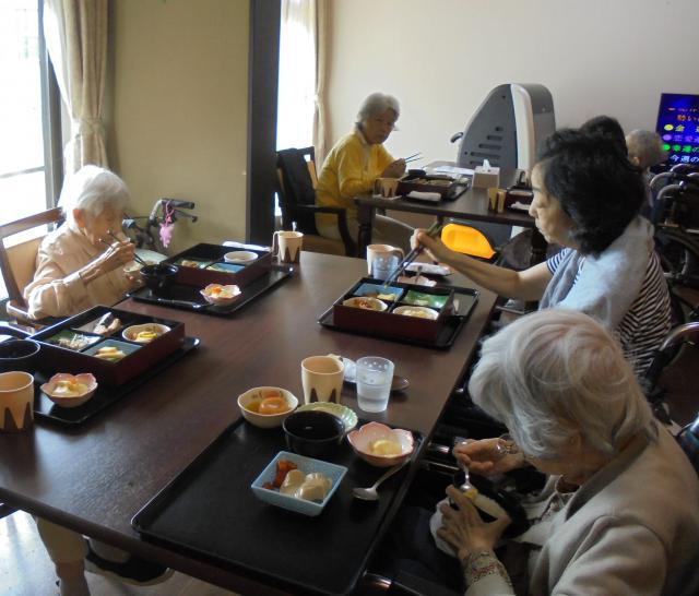 【AH横浜いずみ中央】「美味しく!健康的に!」今月の「おもてなしグルメランチ」は松花堂弁当です♬