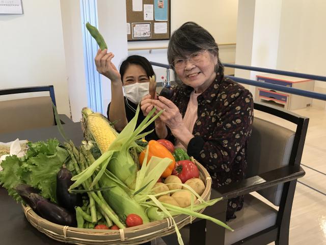【AH千葉幕張】月に一度のおもてなしグルメランチの日!野菜を楽しめる洋食をご用意いたしました☆