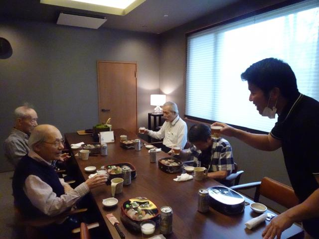【AH上福岡】父の日をビールでお祝い!寿司もご用意して、食事会を開催しました!