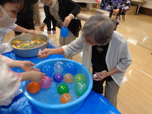 【AH横浜上大岡】今年の納涼祭は、スタッフ手作りの「空飛ぶ金魚!?」が大人気でした!