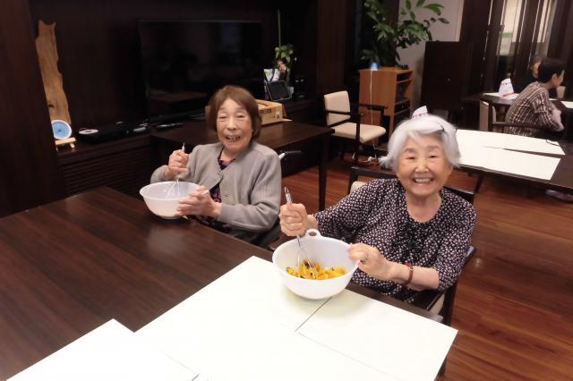【AH文京白山】参加者全員にかぼちゃをこねていただき、美味しいかぼちゃきんつばが出来上がりました!