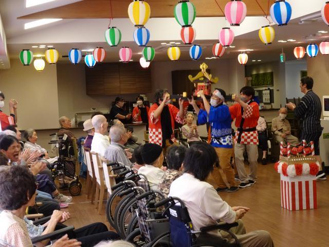 【AH上福岡】芸術の秋ならではの作品展示から始まった敬老祭は、大好評でした!