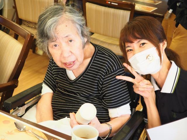 【AH町田】敬老会を開催!スタッフより、長寿のお祝いをさせていただきました♬