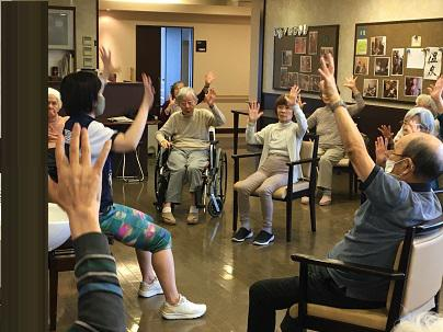 【AH光が丘】椅子に座り行う体操「チェアアクティブ」を再開しました!