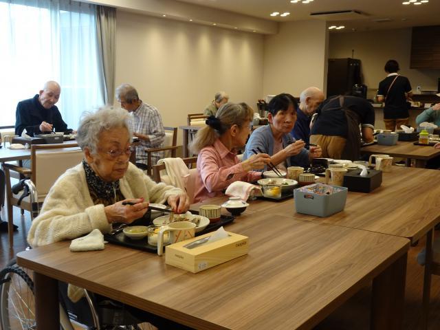 【AH上福岡】今月のおもてなしグルメランチは、北海道から取り寄せた「さんま」です♬