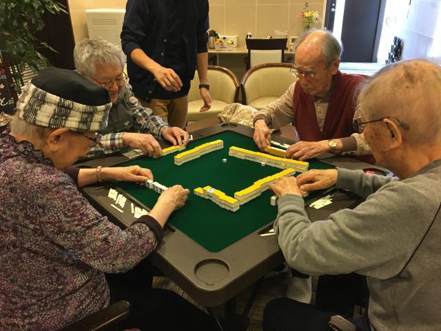 【AH光が丘】1階のカフェコーナーに、麻雀卓を設置いたしました!