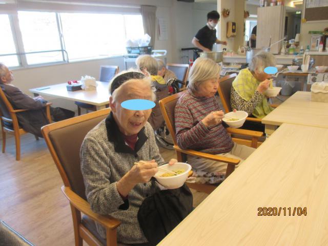 【AH横浜東寺尾】アツアツのラーメンを、みなさまで美味しそうにすすっていました☆