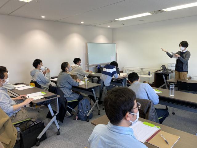 【ケアチーフミーティング】新入社員や、そのトレーナーを指導する立場として研修を行いました。