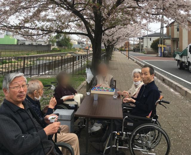 【AH三郷】毎年恒例のお花見を行いました!今年も、素敵な桜を堪能しました♬
