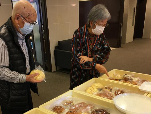【AH光が丘】約1年ぶりに、パンの販売を再開!また、美味しいパンをご自身で選んで食べて頂くことができました♬