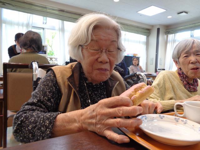 【AH横浜上大岡】月に一度のお楽しみ「アズカフェ」で、いちごのデザートを楽しみました☆