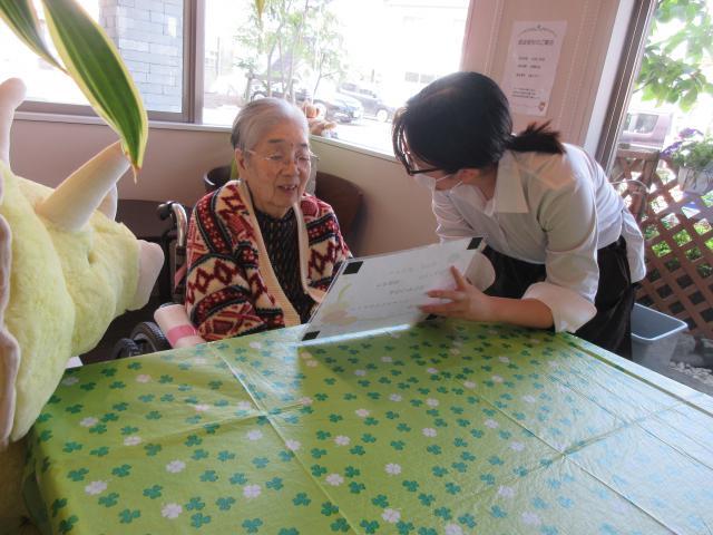 【AH町田】お好きなお飲み物のご注文をお伺いして、新卒スタッフがテーブルへ運ぶアズカフェが開かれました♬