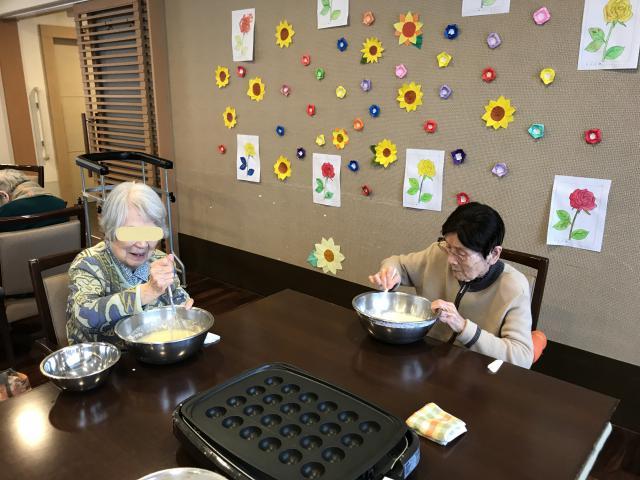 【AH中浦和】たこ焼き用ホットプレートで、簡単!鈴カステラを作りました!